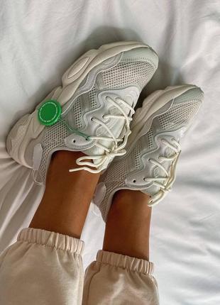 Женские кроссовки adidas ozweego clear brown white5 фото