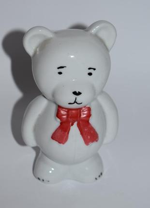 Красивый сувенир статуэтка копилка мишка с бантом фарфор винтаж