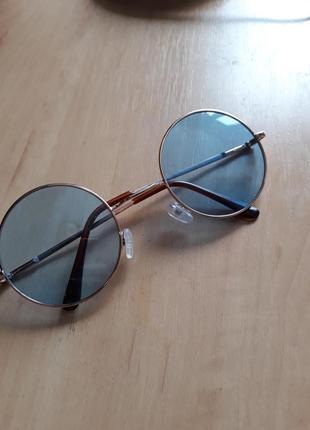 Стильные солнцезащитные круглые очки