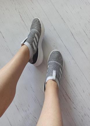 Шикарные кроссовки adidas оригинал2 фото