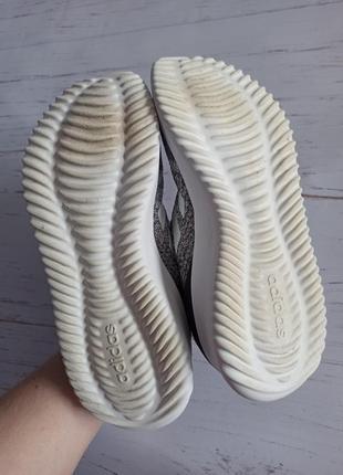 Шикарные кроссовки adidas оригинал3 фото