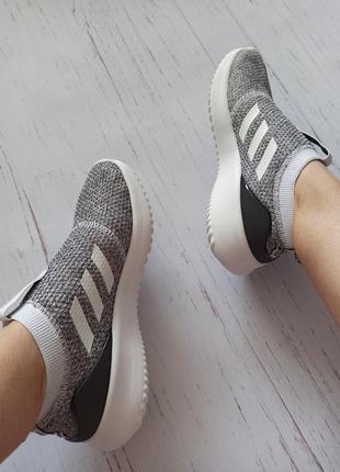 Шикарные кроссовки adidas оригинал7 фото