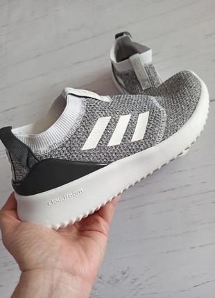 Шикарные кроссовки adidas оригинал4 фото