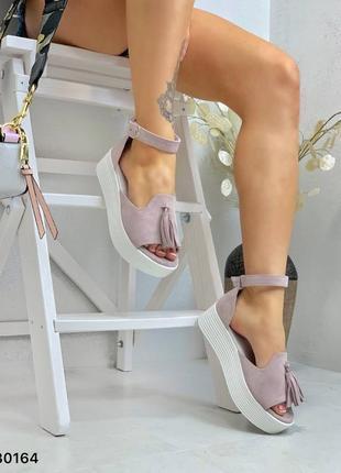 Босоножки нежный лиловый замш с кисточкой открытый носок2 фото