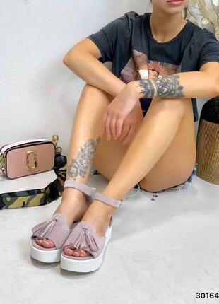 Босоножки нежный лиловый замш с кисточкой открытый носок6 фото