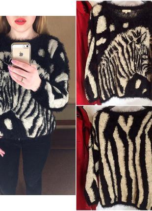 Мягесенький светр з зеброю