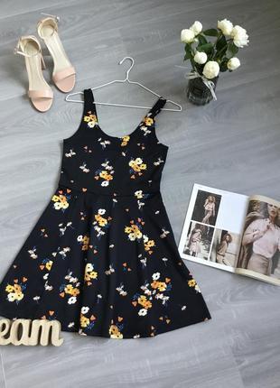 Платье в цветочек из плотного трикотажного полотна