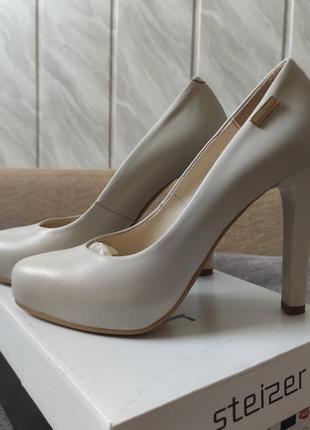 Женские туфли steizer