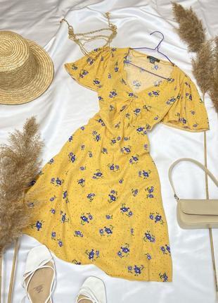 Ніжна сукня в милий принт від primark