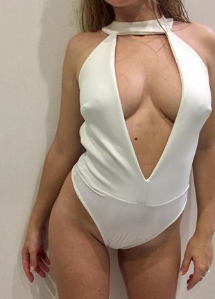 Крутой белый неопреновый боди /купальник с глубоким декольте/купальник