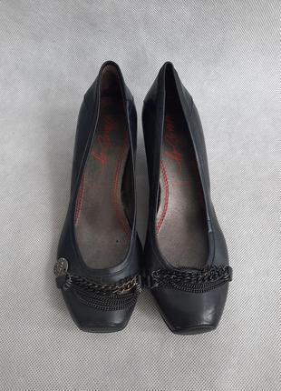 Кожаные туфли на низком каблуке miss sixty