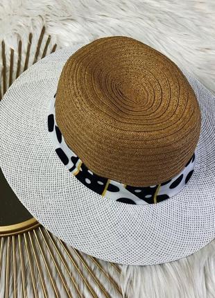 Элегантная соломенная шляпка белая с бежевым, ленточка в горох