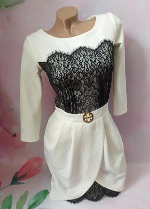 Платье красивое с гипюровыми вставками