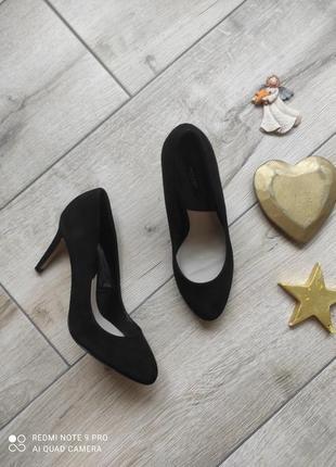 Туфли на каблука классические
