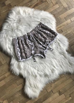 Пижамные шортики из вискозы love lounge