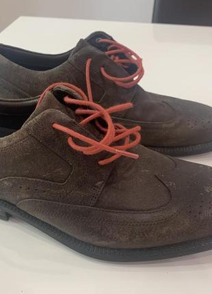 Продам новые кожаные туфли rockport