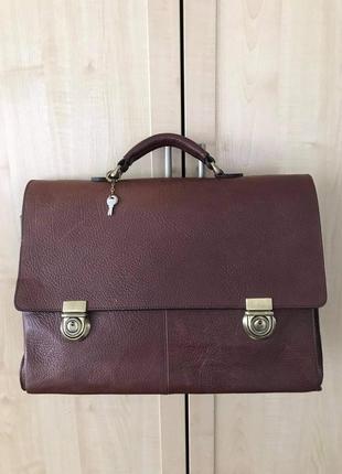 Кожаный добротный портфель marks&spencer