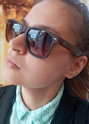 Стильные коричневые очки вайфареры унисекс оправа под дерево