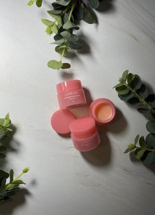 Ночная маска для губ с ароматом ягод laneige lip sleeping mask вerry mini