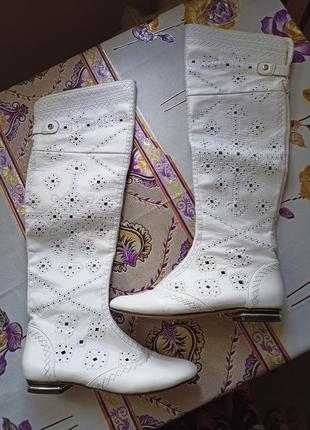 Кожаные белые летние сапоги,сапожки, высокие