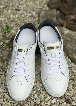 Оригинальные кожаные кроссовки tommy hilfiger 37-38р.2 фото