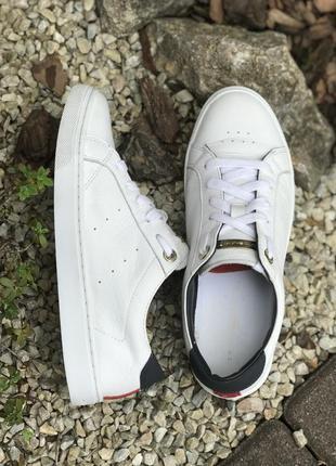 Оригинальные кожаные кроссовки tommy hilfiger 37-38р.7 фото