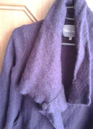 Стильное современное фиолетовое пальтишко,с эффектом валяния,в составе шерсть.