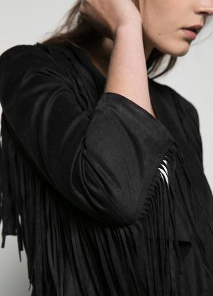 Легка куртка з бахромой  bershka - xs