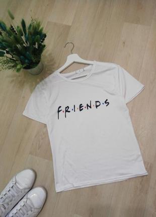 Белая футболка friends