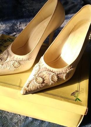 Туфли лодочки белые свадебные 33 размер