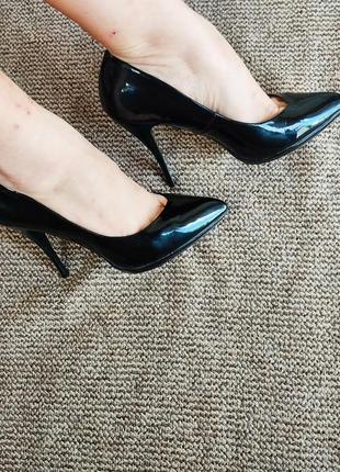 Лодочки женские туфлі лакові босоніжки балетки шльопанці босоножки шльопки тапки