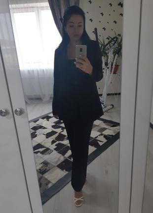 Классический чёрный костюм