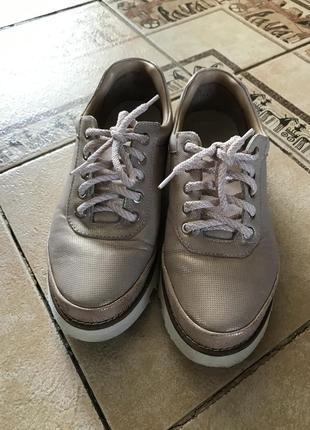 Кожаные повседневные кроссовки