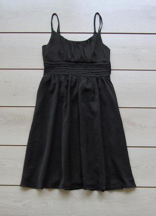 Черное платье на тонких бретелях  со сборками от h&m