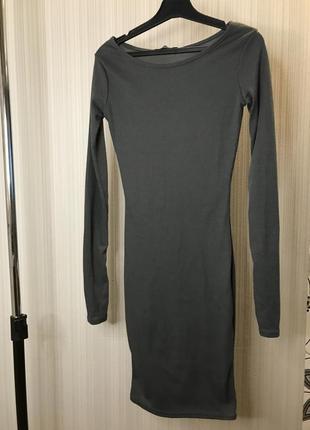 Графитовое платье в рубчик