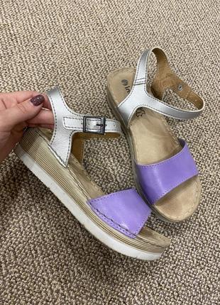 Босоножки сандали на танкетке кожа