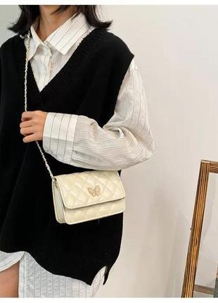 Біла сумка клатч