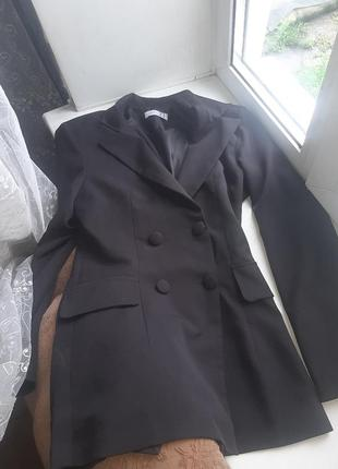 Стильный пиджак на 4х пуговицах