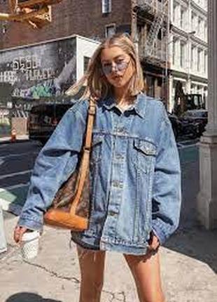 Куртка джинсовая оверсайз, спущенная линия плеча