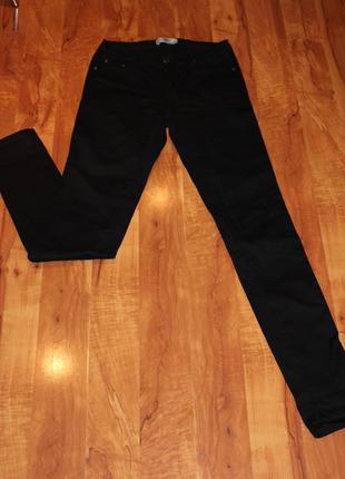 Черные джинсы на стройную девушку s
