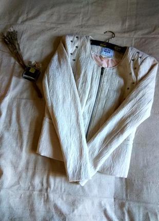 Пиджак пудрового цвета