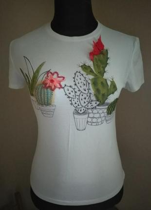 Футболка белая  с принтом кактусы ,печать и вышивка