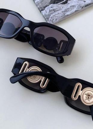 Брендовые солнцезащитные очки 20213 фото