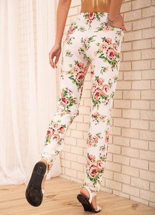 Купить летние хлопковые штаны с цветочным принтом цвет молочный недорого