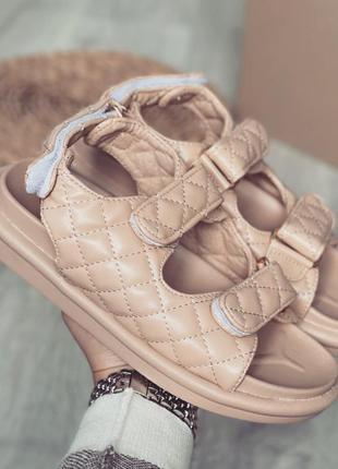 Босоножки шлепанцы эко-кожа бежевый трендовые сандалии на липучках