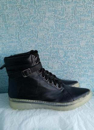 Трендовые женские остроносые кожаные ботинки с ремешками noiz германия