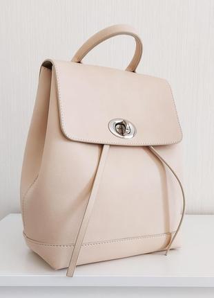 Лаконичный пастельно бежевый городской стильный женский рюкзак для модных девушек