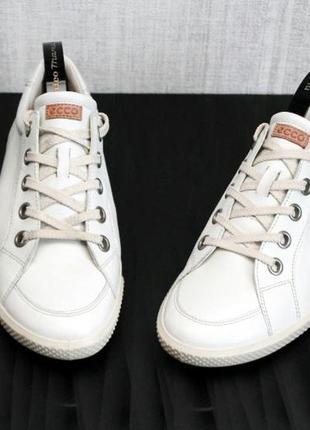 Кожаные спортивные туфли ecco. размер 40