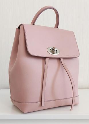 Стильный лаконичный городской рюкзак пудрово-розовый нежный для девушек и активных женщин