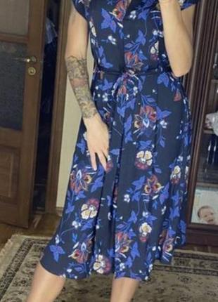 Платье-халат супер красивое ткань легкая натуральная.
